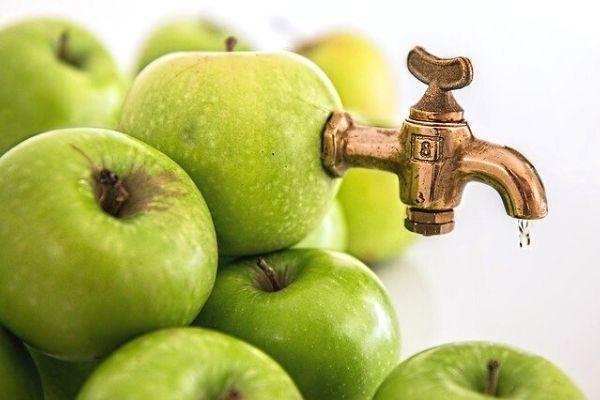 Elma Suyunun Sizi Şaşırtacak 12 Faydası Tarifi