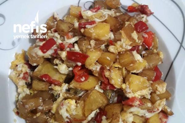 Kaşarlı Yumurtalı Kapya Biber Patates Yemeği Tarifi