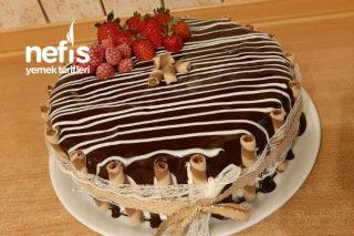 Bisküvili Yaş Pasta (Yok Böyle Pratik Lezzet Görüntü Tat Muhteşem) Tarifi