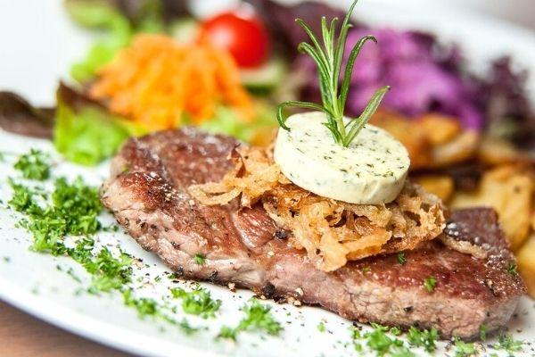 Steak Ne Demek? Çeşitleri, Pişirme Teknikleri Tarifi