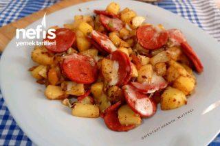 Bu Kahvaltılığa Bayılacaksınız Sucuklu Kaşarlı Patates Kavurma (Videolu) Tarifi