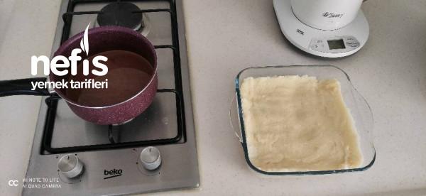 Çikolata Soslu İrmik Tatlısı 5 Dakika Da Hazır