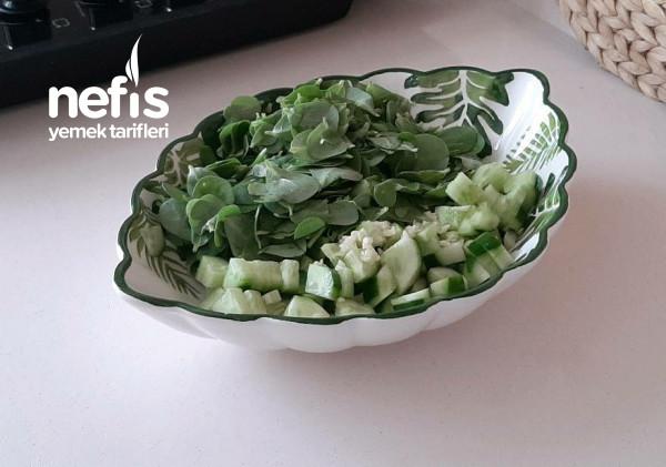 Nohut Soslu Yoğurtlu Semizotu Salatası (Videolu)