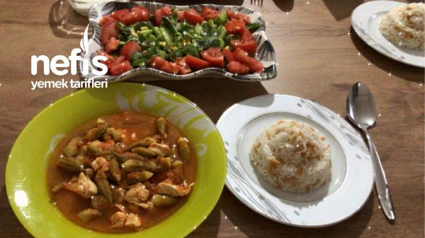 Tavuklu Bamya Yemeği