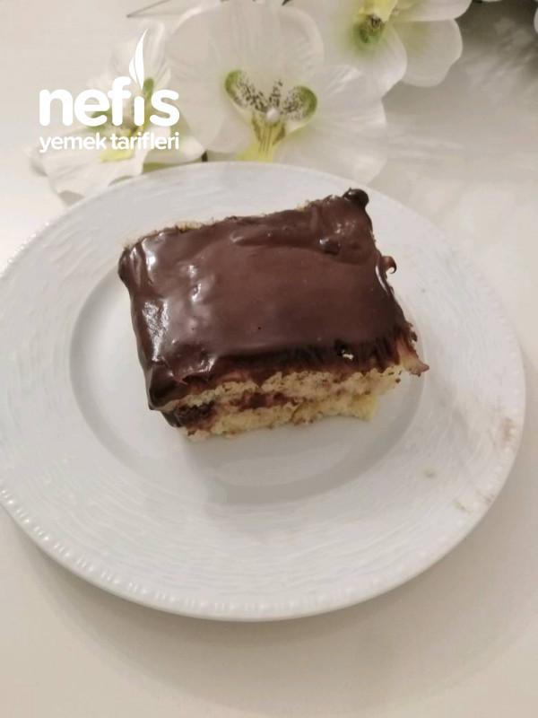 Çikolata Soslu Kedi Dili Pasta