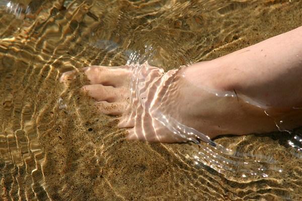 ayak bileği şişmesi