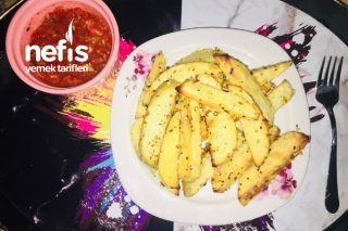 Nefis Fırında Patates Ve Köz Biberli Domates Sosu Tarifi