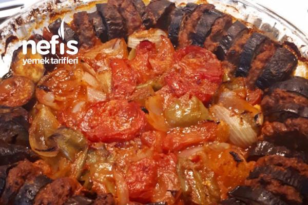 Patlıcanlı Köfteli Tepsi Kebabı Tarifi