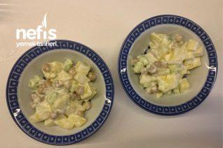 Salatalıklı Patates Salatası Tarifi