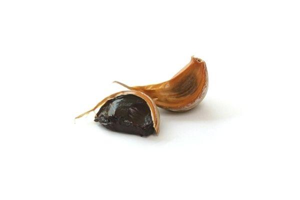 Siyah Sarımsak Yağı Faydaları, Saçta Kullanımı Tarifi