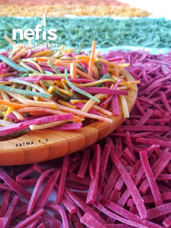 Sebzeli Erişte (%100 Doğal Sebze Rengi Gıda Boyasiz)