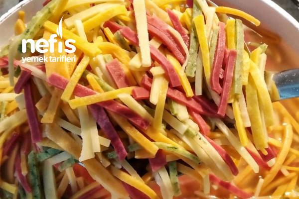 Sebzeli Erişte (%100 Doğal Sebze Rengi Gıda Boyasız) Tarifi