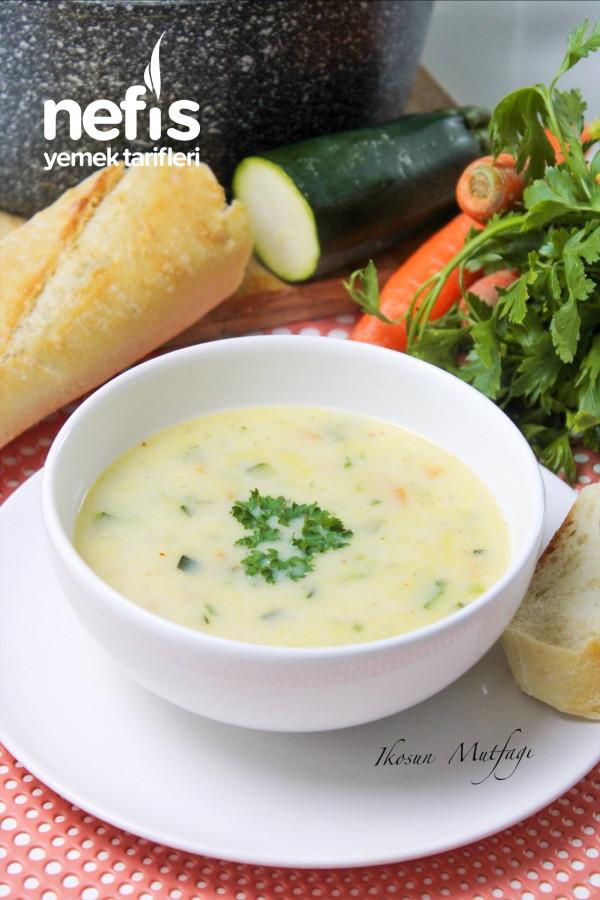 Kaşık Kaşık Vitamın Deposu Sebze Çorbası
