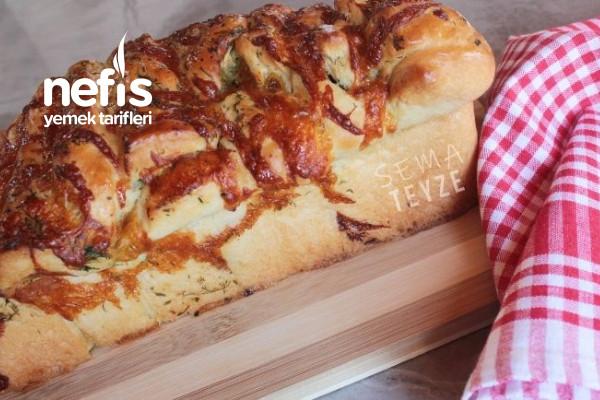 Tadına Doyamayacağınız Sarımsaklı Ekmek Tarifi