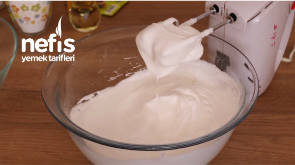 Yoğurtsuz Sütsüz Pamuk Gibi Kek
