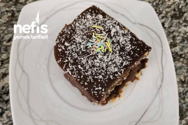 Ev Yapımı Pudingi İle Nefis Bisküvi Pastası Tarifi