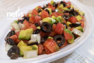 Avakadolu Salata (Favoriniz Olacak) Tarifi