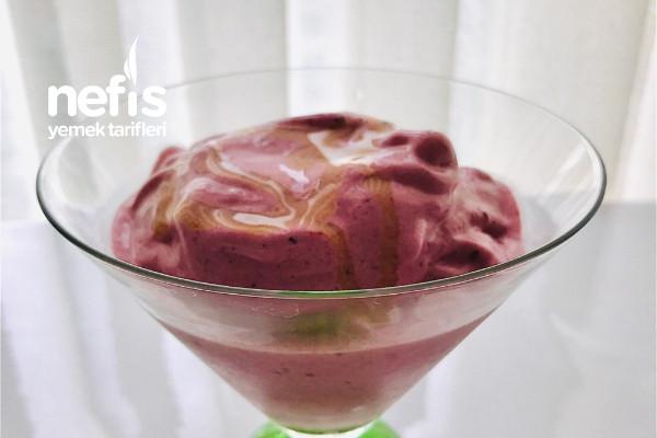 Beyaz Şekersiz Ballı Dondurma (Karışık Meyveli) Tarifi