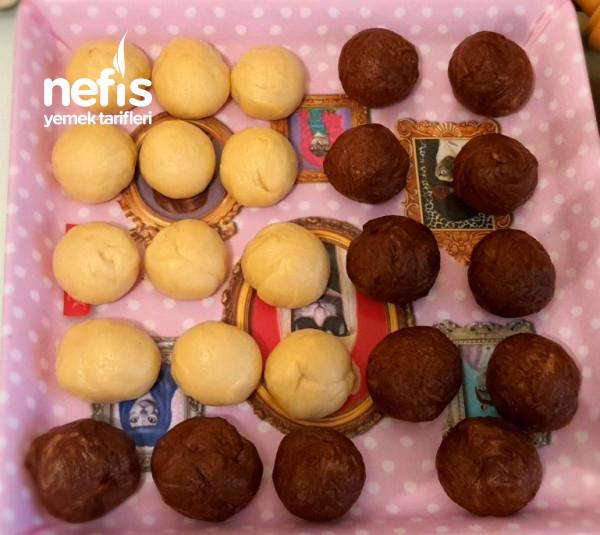 2 Renkli Çikolatalı Çörek