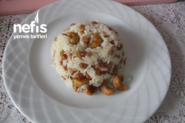 Kaju Fıstıklı Pirinç Pilavı Tarifi