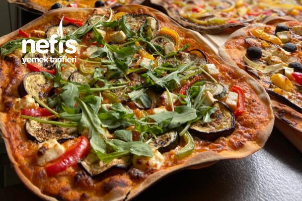 Orjinal İtalyan Pizza Tam Kıvamında Tarifi