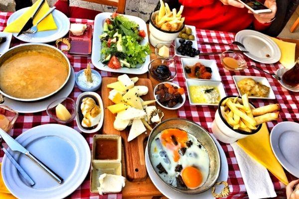 bal kahvaltı salonu