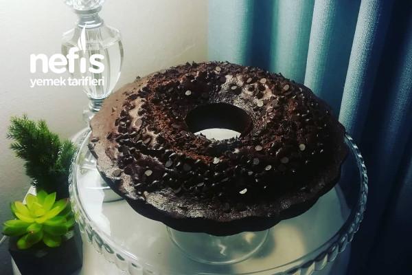 Bol Çikolatalı Vişneli Kek Tarifi