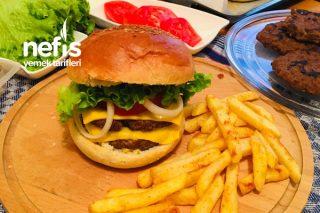 Hamburger (Ekmeği Ve Köftesiyle) Tarifi