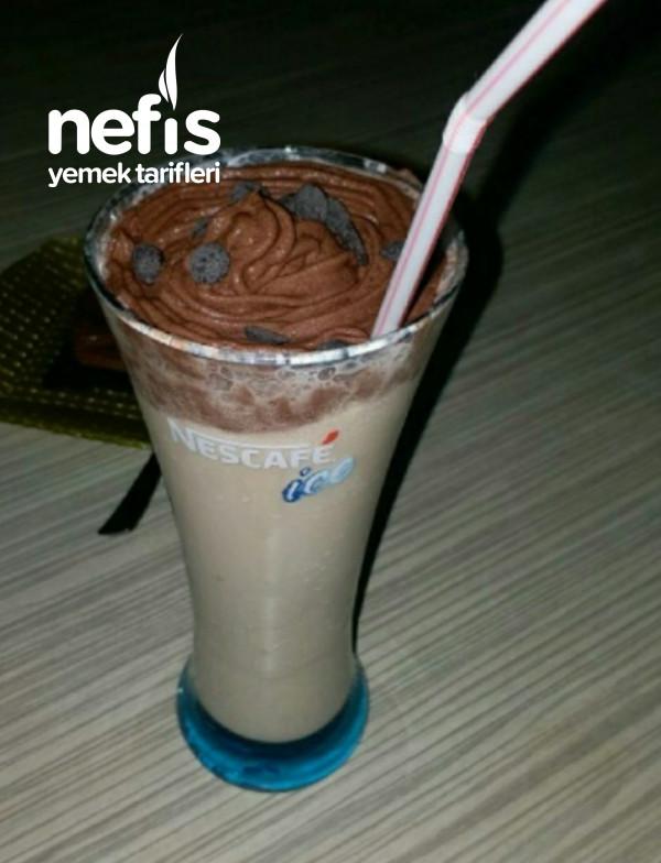 Krem Şantili Soğuk Sütlü Kahve