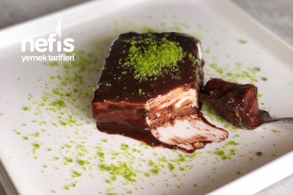 Çikolata Soslu Altı Bisküvili Tavuk Göğsü (Sütlü Tatlı Sevenler İçin Nefis Bir Tat) Tarifi