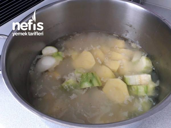 Tavuk Suyuna Patates Çorbası