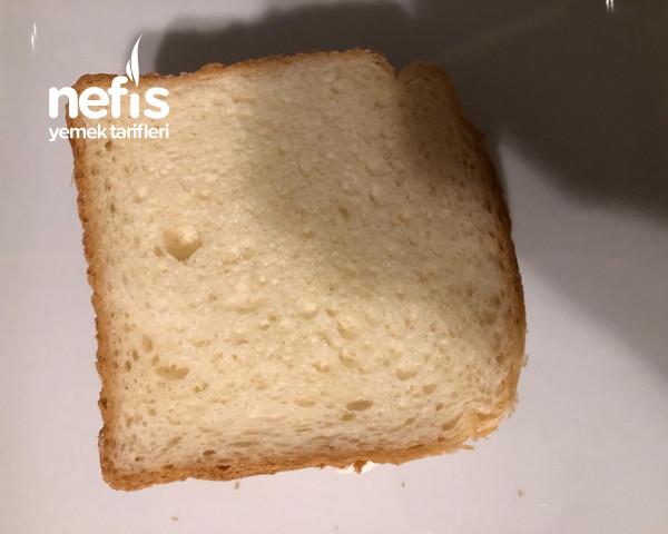Tavuklu Tost Ekmeği Salatası