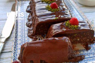 Evdeki Fazla Kekler İle Pratik Ve Bir O Kadarda Lezzetli Bir Pasta Tarifi