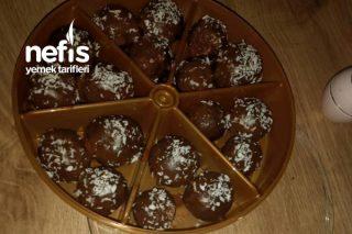 Damla Çikolatalı Büsküvi Topları Tarifi