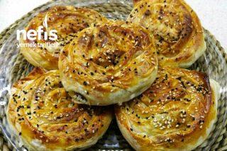 Hazır Yufkadan Çıtır Gül Böreği (Ispanaklı ve Lor Peynirli) Tarifi