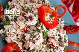 Kuru Domatesli Lor Salatası (Aşırı lezzetli) Tarifi