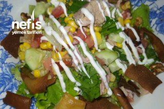 Ton Balıklı Salata (Çıtır Ekmek Eşliğinde) Tarifi