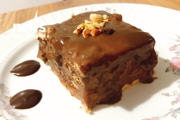 Bol Çikolatalı Bisküvili Pasta Tarifi