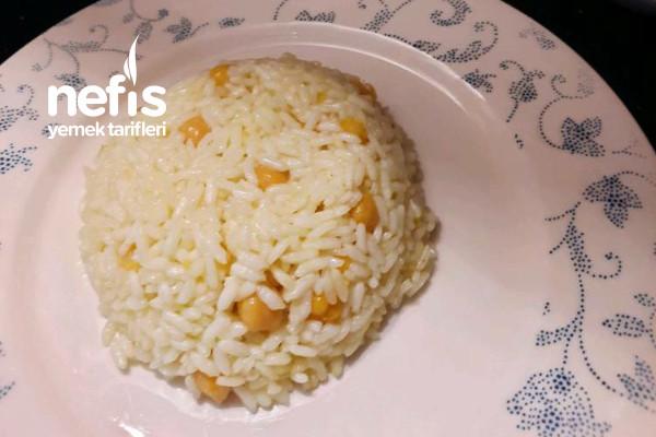 Nohutlu Safranlı Pirinç Pilavı Tarifi