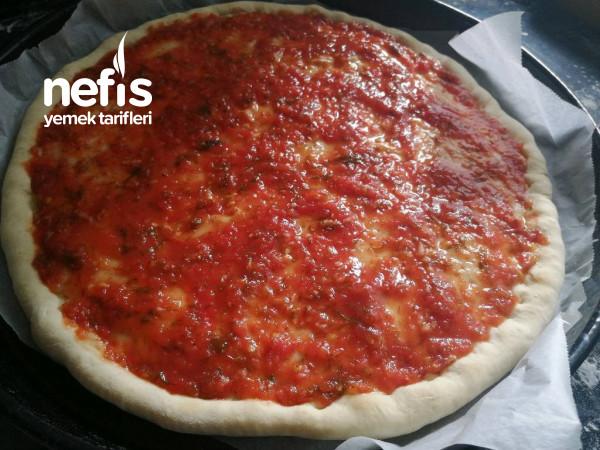 Sarımsak Ve Dereotu Soslu Pizza Tarifi