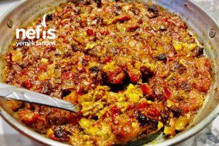 Kovalama Kebabı (Köz Patlıcan Yatağında Et Sote) Tarifi