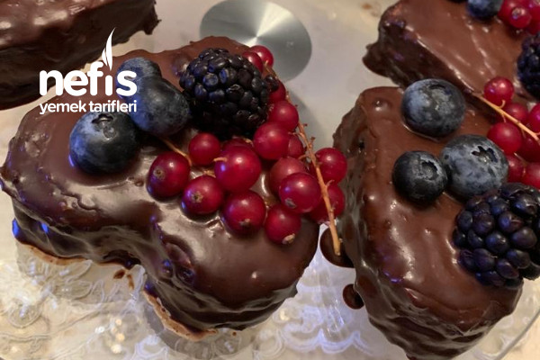 Nefis Kalpli Porsiyonluk Çikolatalı Pasta