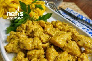 Zerdeçallı Makarna Eşliğinde Kremalı Körili Tavuk Tarifi