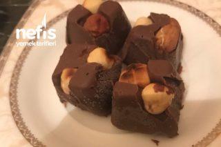 Kahvelerin Vazgeçilmezi Pratik Fındıklı Çikolata Tarifi