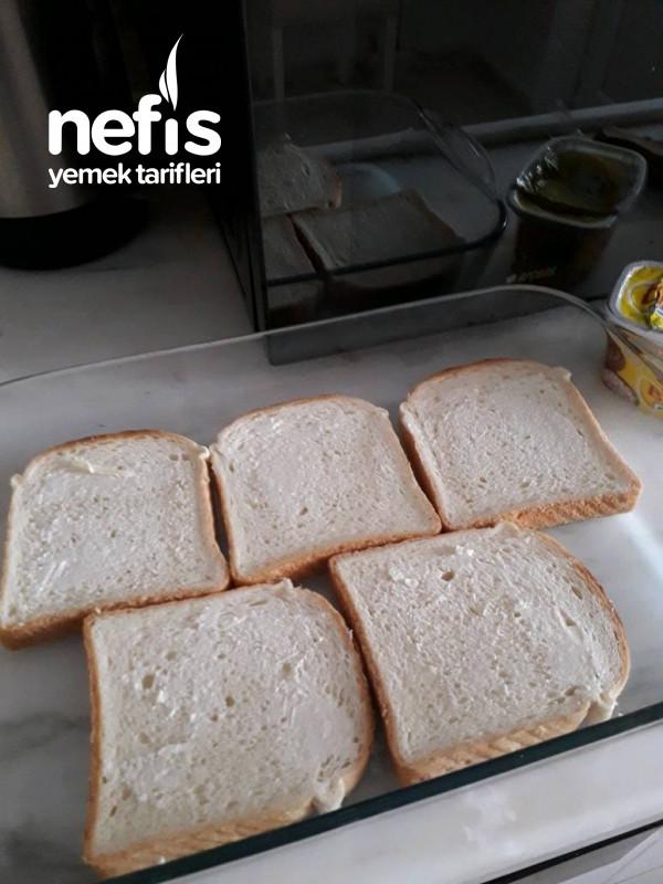 Kahvaltıya Pratik Lezzet Kaşarlı Ekmeklerim