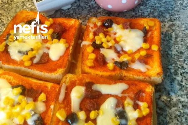 Minik Pratik Pizzalar Tarifi