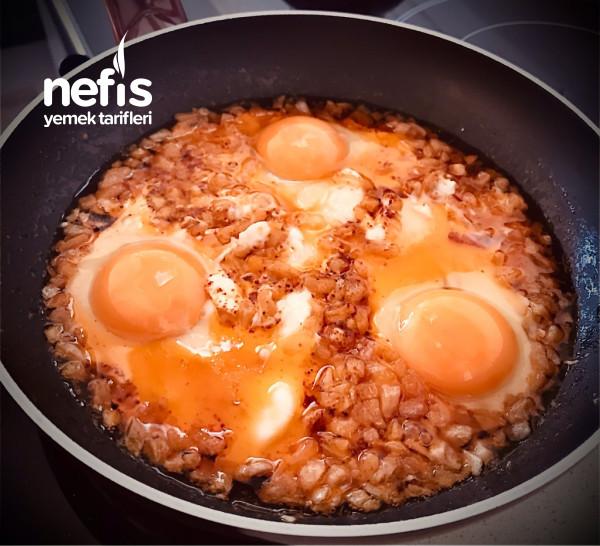 Soğanlı Yumurta (Osmanlı Mutfağı)