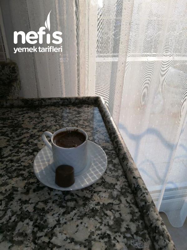 Sütlü Çikolatalı Fındıklı Türk Kahvesi