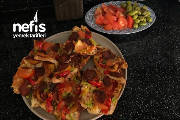 Bayat Pide Pizzası (Bayat Ekmek Değerlendirme) Tarifi