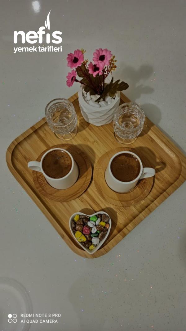 Bol Köpüklü Orta Şekerli Türk Kahvesi